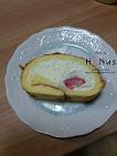[간식] 스트로베리 롤케이크 ~디저트팩토리 곰스곰스(Dessert Factory GOMSGOMS)~