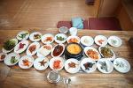 콩비지정식 어마어마한 반찬들입니다. 부천 신중동식당
