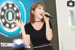 KT 배터리 SAVE 페스티벌에서 만난 홍진영! 대박 몸매!
