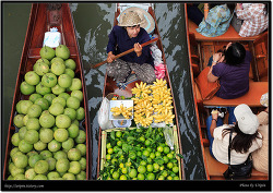 Bangkok, Thailand (담넌 사두악 수상시장)