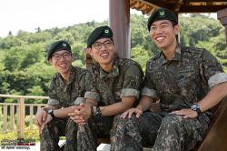 피를 나눈 형제에서 대한민국 부사관으로! 육군 세쌍둥이 부사관을 소개합니다!