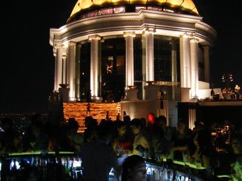 방콕 여행코스 추천 - [실롬] 시로코 야경이 멋진 칵테일 바