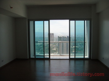 Manila Condo For Rent Ortigas Shangri-La Place ST.Francis Tower 2BR 117SQM Un Funiture 100K