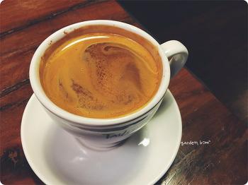 # 감동의 맛은 아직, 테일러 커피