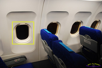 항공사 승무원이 말하는 비행기 창문의 비밀