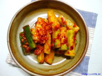 중국식 오이김치, 잠자는 두반장 소스 활용 중국김치
