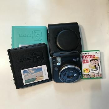 후지필름 인스탁스 미니70 즉석카메라 구매했어요.