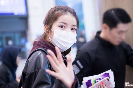 [PHOTO] 170108 인천공항 입국 - 여자친구 by Girls Grapher