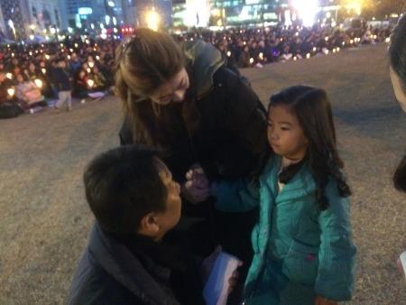 창원촛불 최대 히트곡 '촛불소녀 캔디'(영상)