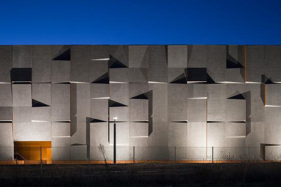 *빛으로 현재와 과거가 소통하는 공간-[ May + Russell Architects ] National Archives Preservation Facility