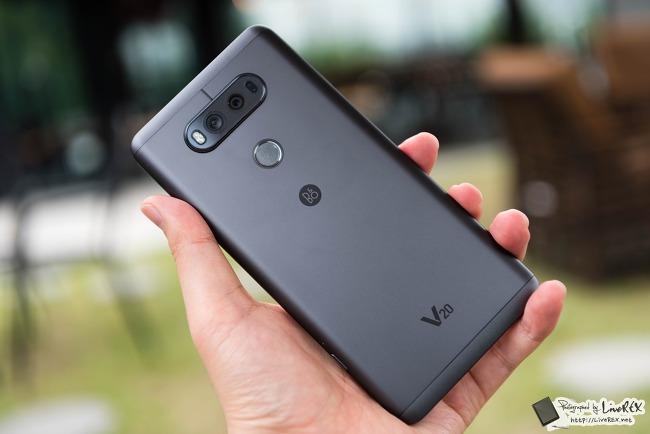LG V20 후기, 개봉기로 살펴본 장단점