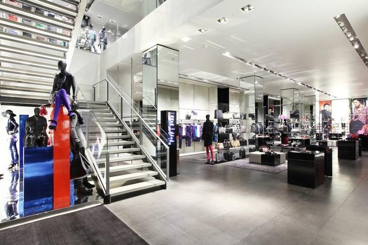 Interior exhibition vmd emporio armani store new york for Armani new york