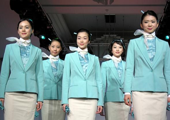 대한항공 객실승무원 새 유니폼 발표 장면