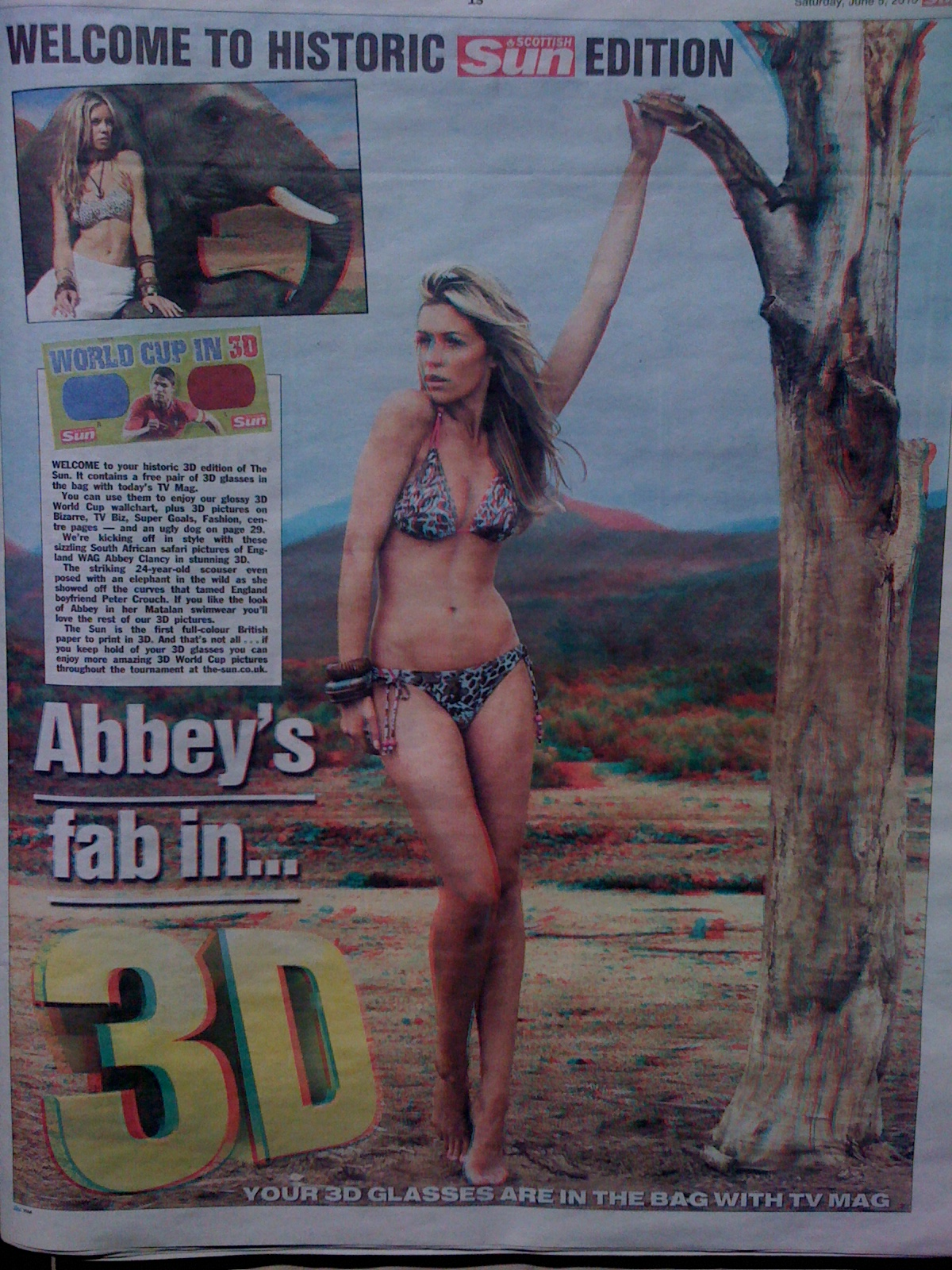 3D Centerfold Lady on 3D Edition of The Sun
