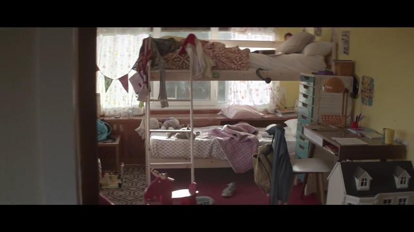 잠자는 숲속의 공주(The Sleeping Beauty)를 패러디한 시트로엥(Citroen)의 TV광고 - 월드컵을 맞아 4년만에 잠에서 깨어난 잠자는 숲속의 서포터(The Sleeping Supporter) [한글자막]