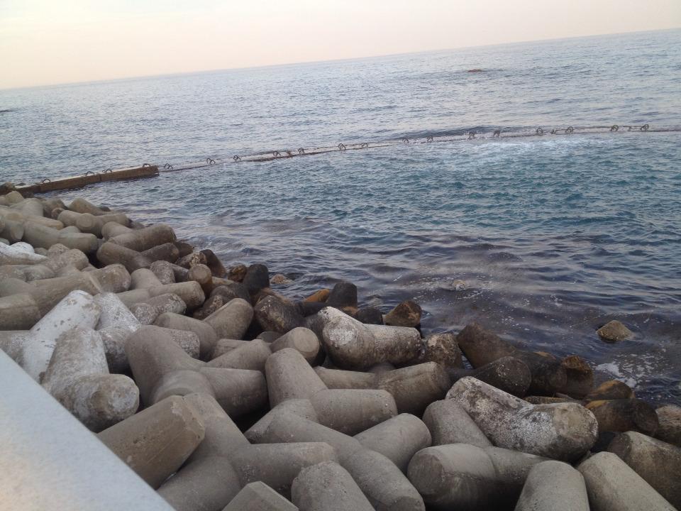 동해안 주문진항의 해수교환방파제로 항내 수질오염방지