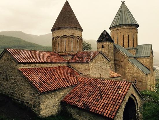 조지아정교의 수도원. 이슬람교도의 박해를 많이 받았지만 관용적이다.