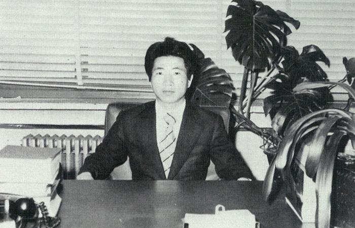 사진: 변호사 시절의 노무현 변호사. 이때까지는 세금을 다루는 조세전문이었다. 돈으로 뒷거래를 하는 형사사건은 싫다면 하지 않았다. [잘나가던 변호사 노무현입니다]
