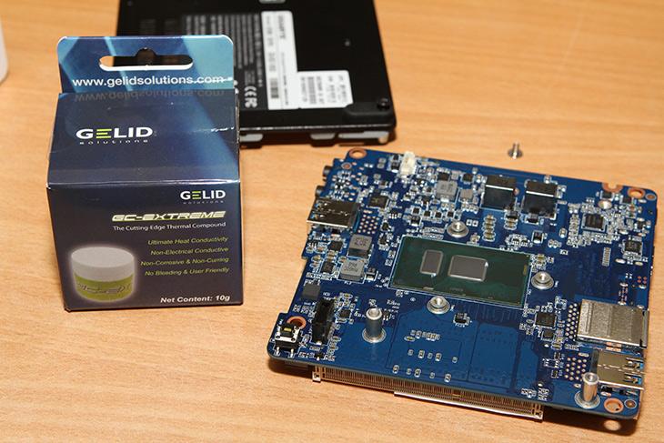 기가바이트 브릭스, 노트북용 램, 윈도우10, 운영체제, 설치,IT,IT 제품리뷰,작은 컴퓨터에 관심이 많아져서 사용 중 인데요. 실전 사용을 위해서 필요한 부품을 설치해봅니다. 기가바이트 브릭스에 노트북용 램을 장착하고 윈도우10 운영체제 설치를 해 봤는데요. 스카이레이크 프로세서가 들어간 미니 본체 경우에도 아직은 DDR3 램을 이용하는 경우가 많습니다. 물론 추후에는 DDR4 램으로 넘어갈 것이긴 하겠지만요. 기가바이트 브릭스도 아직은 DDR3램이 장착이 되는데요. DDR3L 램을 사용해보겠습니다.