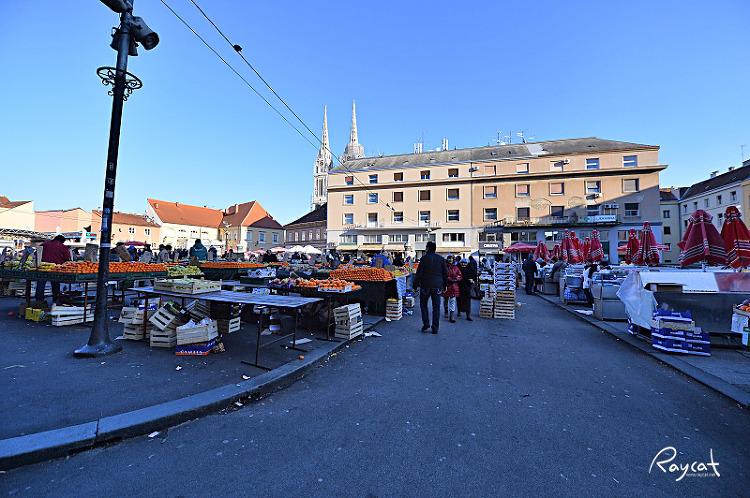 돌라츠 시장