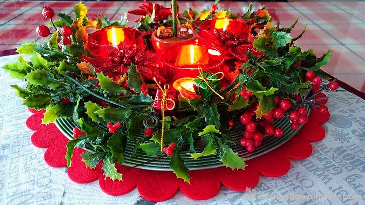 크리스마스 양초 장식품 입니다.