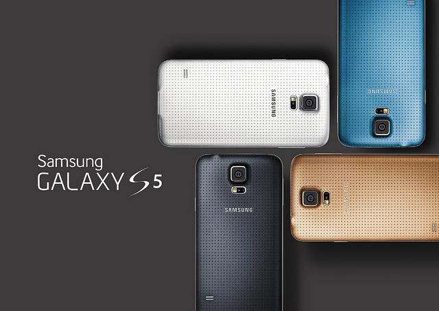 갤럭시S5, 갤럭시s5 디자인, 갤럭시S5후면커버, 일렉트릭블루, 펀칭패턴, 삼성, 삼성전자, 삼성 언팩 2014, 언팩 2014, MWC 2014, Galaxy S5, Galaxy S5 design