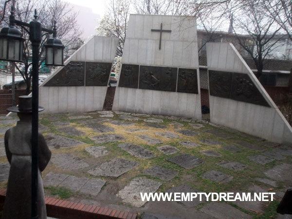 중림동 약현성당 - 서울역 근처의 한국 최초 서양식 성당