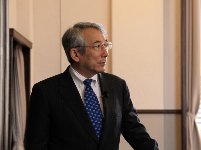 요시카와 토시카즈 교수