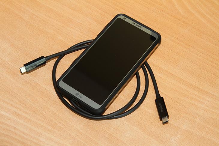 LG G6 ,HiFi, 32bit, 음원, 재생, 고음질 음악, 재생, 전송속도,IT,IT 제품리뷰,휴대용 DAC을 따로 들고다니지 않는 분도 많습니다. 음질 좋은것이야 알죠. LG G6 HiFi 32bit 음원 재생이 가능한데요. 고음질 음악 재생이 가능하죠. 스마트폰으로 고음질 재생이 가능해서 편한데요. LG G6 Hifi 32bit 음원을 넣어서 실제로 재생을 해 봤습니다. 요즘은 초고음질 음원에 대해서도 사용자들이 관심이 많습니다. 그래서 CD를 재생하기도 하고 만약 CD로 재생하기 어렵다면 고음질음원을 구매하기도 하죠.