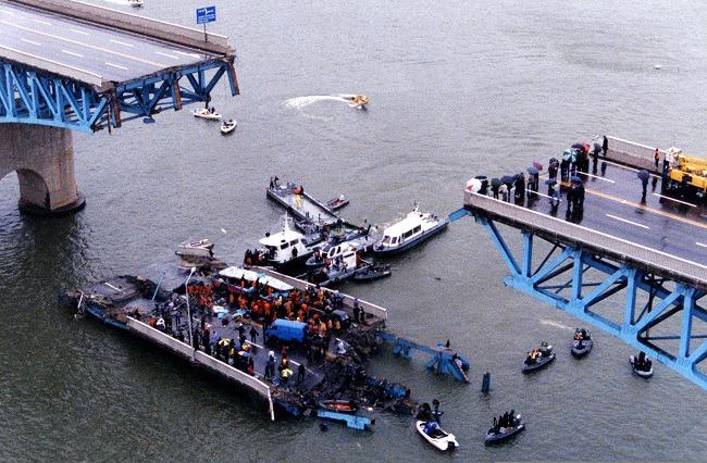 1994년10월21일 성수대교 붕괴사고(Collapsed seongsoo bridge)