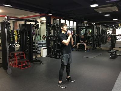 단시간 효과적인 칼로리 소모운동[하체편]-[고블릿 스쿼트(Goblet Squat)]